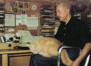 Heinlein Writing with a Cat